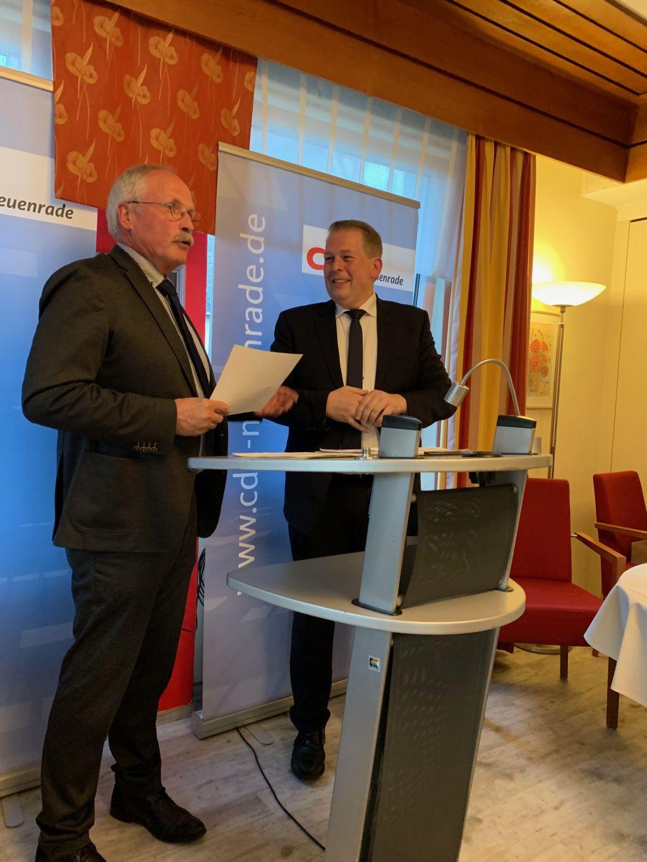 Bürgermeister Wiesemann und Vorsitzender Dunker